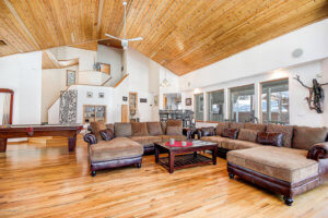 Open living area in 225-2601 Bucky ONeill Flagstaff AZ in Forest Highlands