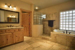 A bathroom in 500-2735 Lindberg Spring Flagstaff AZ