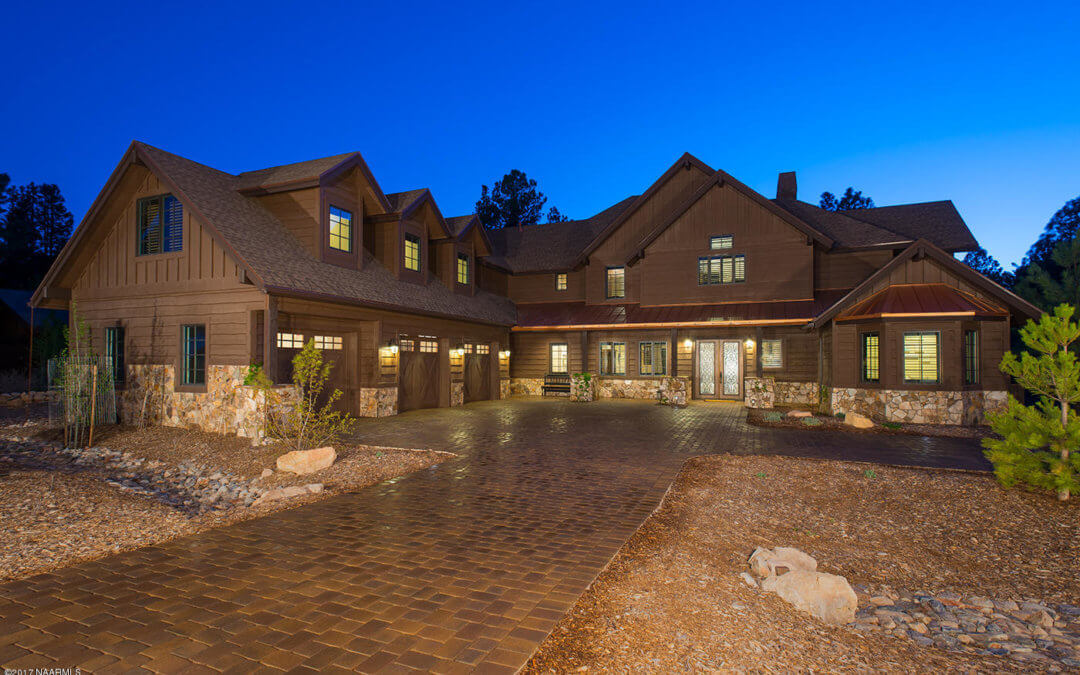 $1.65M Contemporary Pine Canyon Golf Home Is 5,216 Sq Ft of Modern Luxury